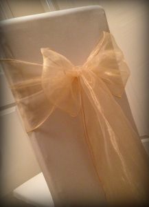 Champagne organza bow, Chair covers Glasgow, Lily Special Events2