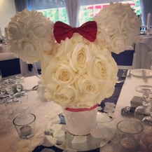minnie-mouse-centrepiece-by-lily-special-events-rose-ball-kissing-ball
